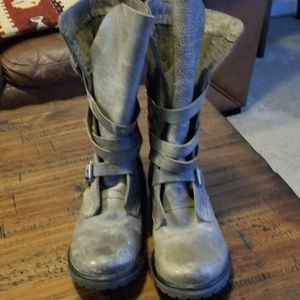 Womens Steve madden mid calf boot..distressed leat